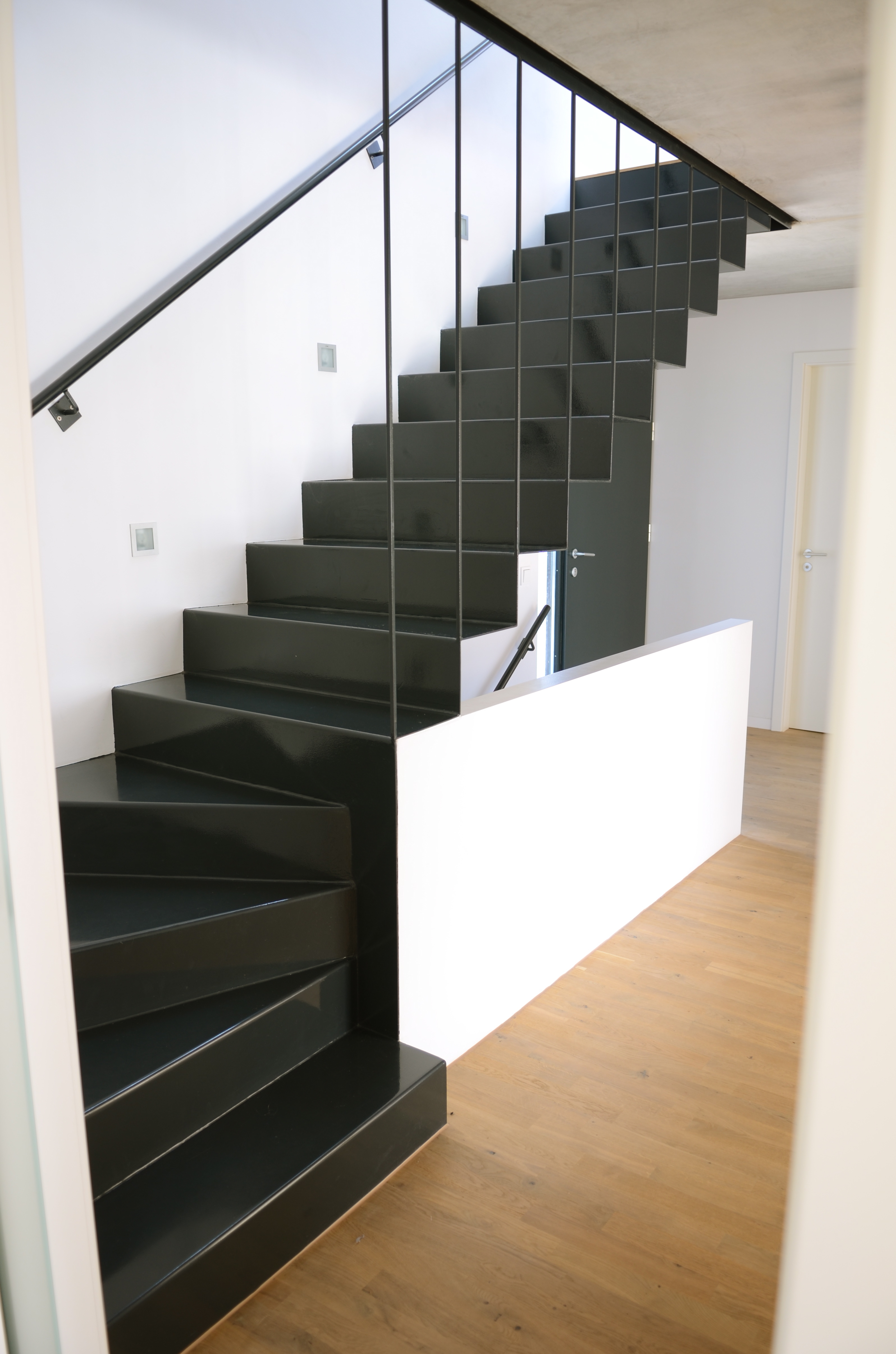 treppe eislingen stahlbau n gele. Black Bedroom Furniture Sets. Home Design Ideas
