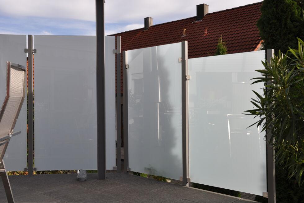 sichtschutz f r terrasse stahlbau n gele. Black Bedroom Furniture Sets. Home Design Ideas