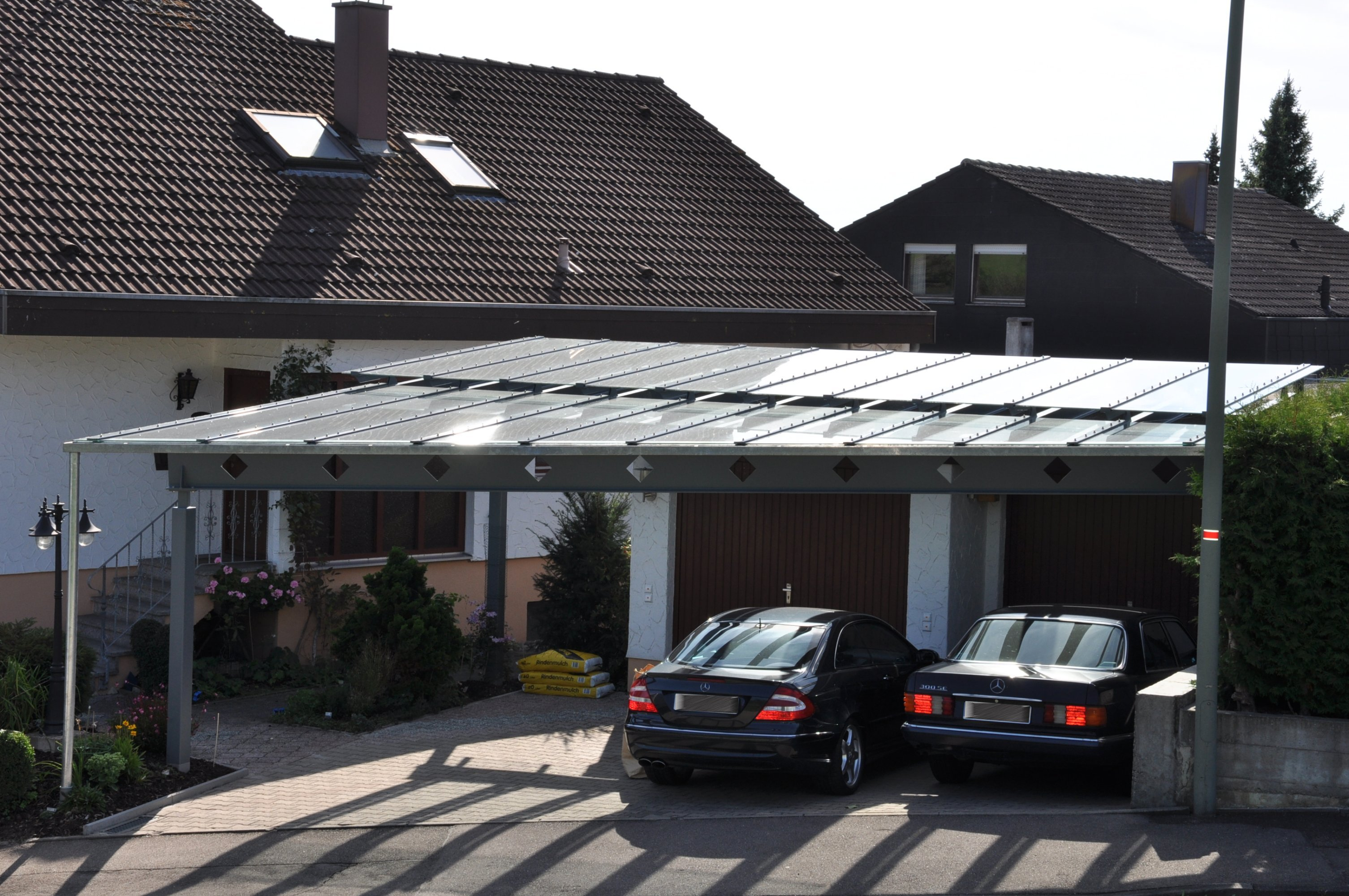 doppelcarport mit abgestufter glaseindeckung stahlbau n gele. Black Bedroom Furniture Sets. Home Design Ideas