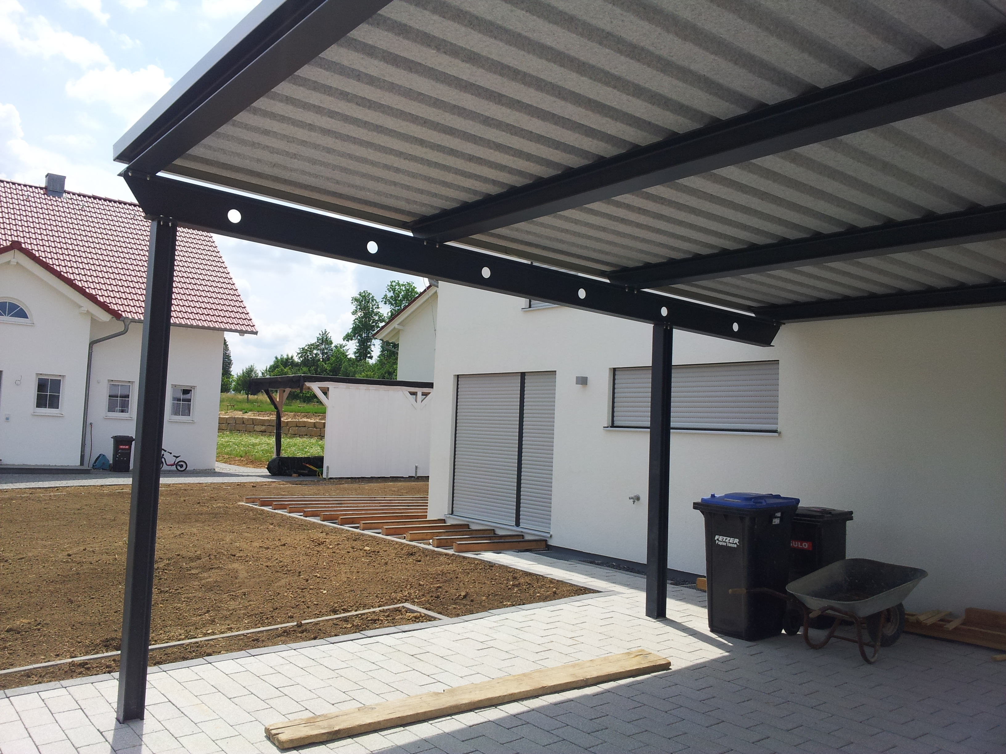 carport seitenwand mit rhombus verkleidung stahlbau n gele. Black Bedroom Furniture Sets. Home Design Ideas