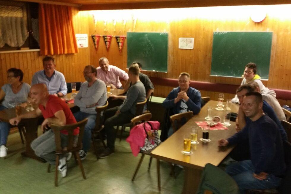 Kegelduell Schlosserei und Projektmanagement-Spaß-Stahlbau Nägele-Event