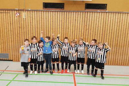 Knirpse des 1. FC Rechberghausen holen sich den Turniersieg in Ebersbach