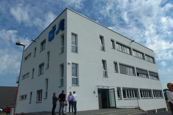 I-Bau-Abnhame und Urkundenübergabe-Neubau Verwaltungsgebäude-Donzdorf-Stahlbau-Komplettbau-Industriebau