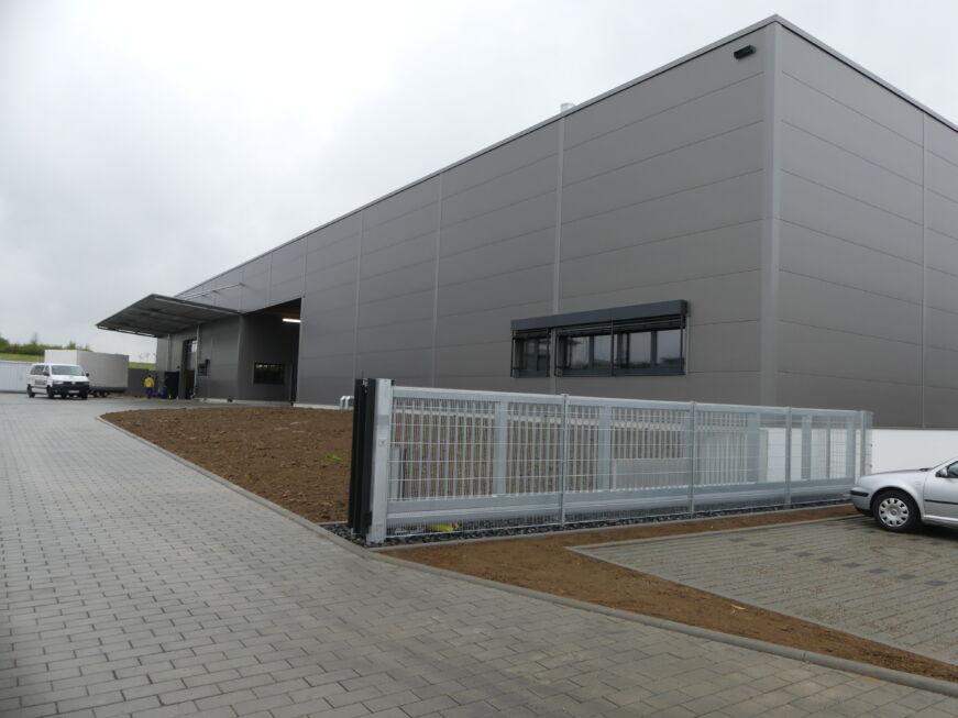 SF-Bau-Abnahme und Urkundenübergabe-Neubau Fertigungs-und Montagehalle-Leutenbach-Stahlbau-Schlüsselfertigbau