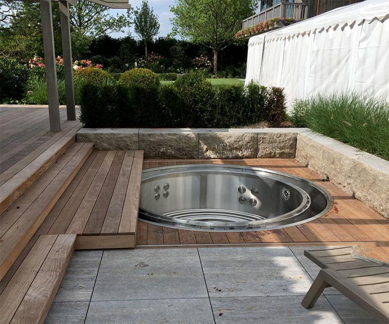 Schlosserarbeiten-Metallbauarbeiten-Pooldeck-Stahlbau-Schlosser- und Metallbauarbeiten