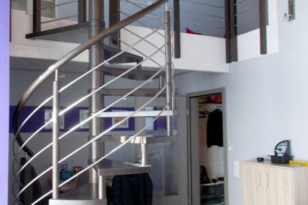Schlosserarbeiten-Metallbauarbeiten-Treppen-Geländer-Spindeltreppe-Stahlbau-Schlosser- und Metallbauarbeiten