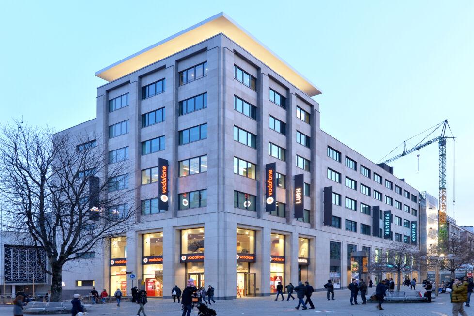 Stahlbau-Stahlkonstruktion-Umbau Karstadt-Stuttgart