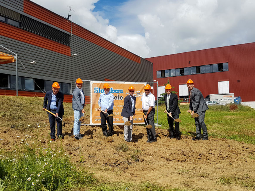 SF-Bau-Spatenstich-Jebenhausen Göppingen-Erwiterung best. Halle mit Büro-Stahlbau-Schlüsselfertigbau