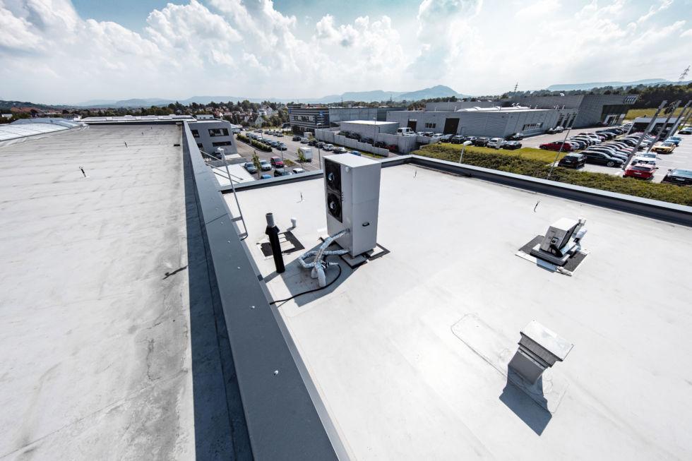 SF-Bau-Industriebau-Neubau Halle mit Büro-Kirchheim-Stahlbau-Schlüsselfertigbau