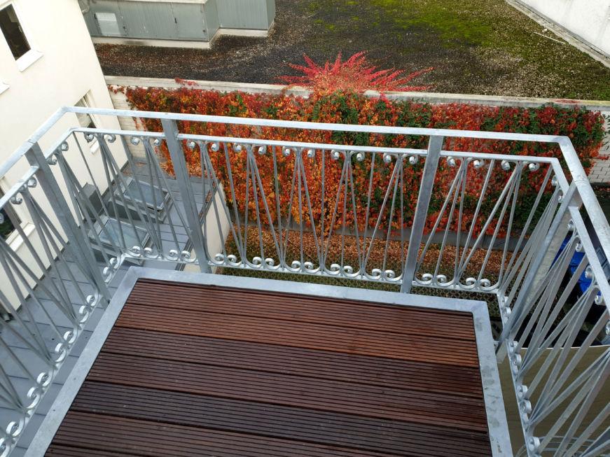 Schlosserarbeiten-Metallbauarbeiten-Balkongeländer-Balkonanbau-Stahlbau-Göppingen-Schlosser- und Metallbauarbeiten