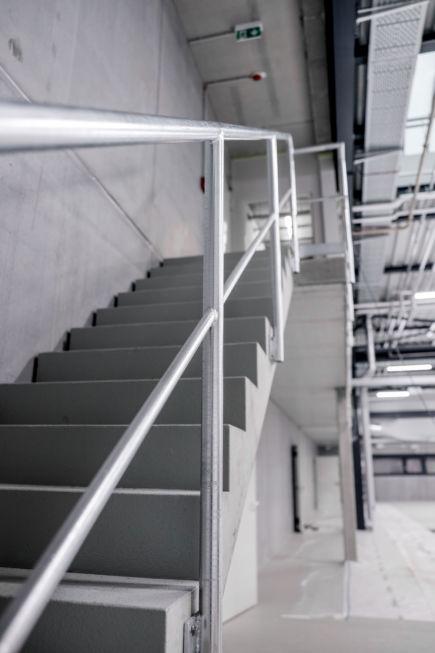 I-Bau-Neubau Halle-Göppingen-Stahlbau-Komplettbau-Industriebau