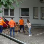 Stahlbau Nägele-Azubi Einführungswoche 2020-Parcour Stühle kippen