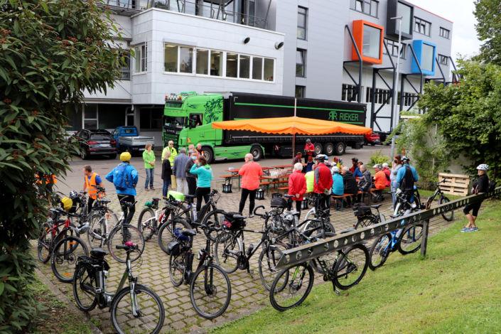 bei-Tour de Kreisle_Stahlbau Nägele-Ankunft Radler